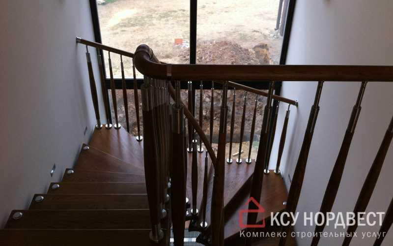 Монтаж деревянной п-образной лестницы