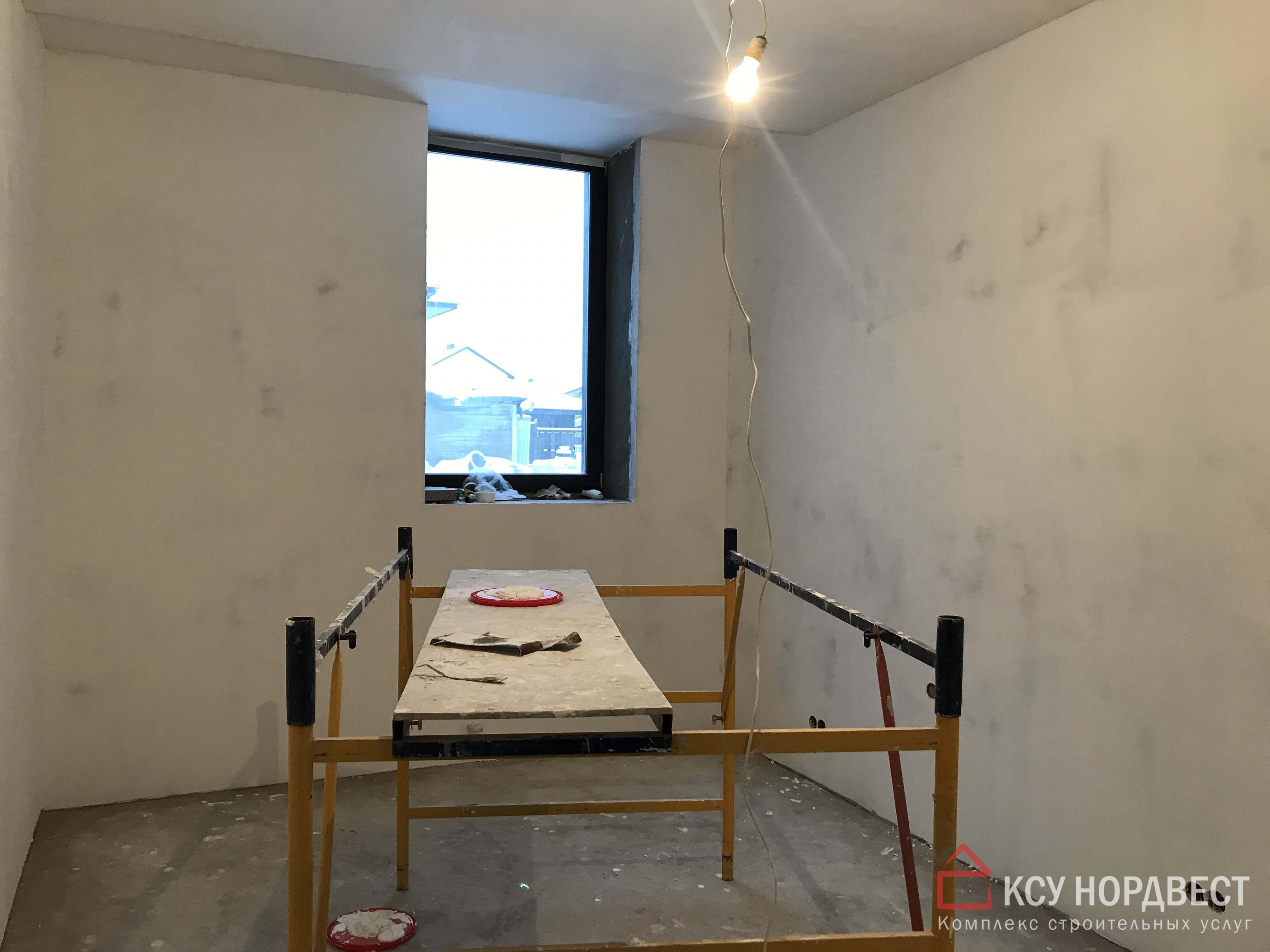 стена после черновых работ