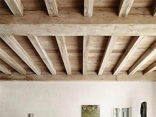 дощатый потолок